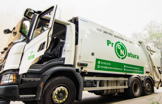 Chcesz zostać kierowcą śmieciarki? ProNatura tworzy nowe miejsca pracy